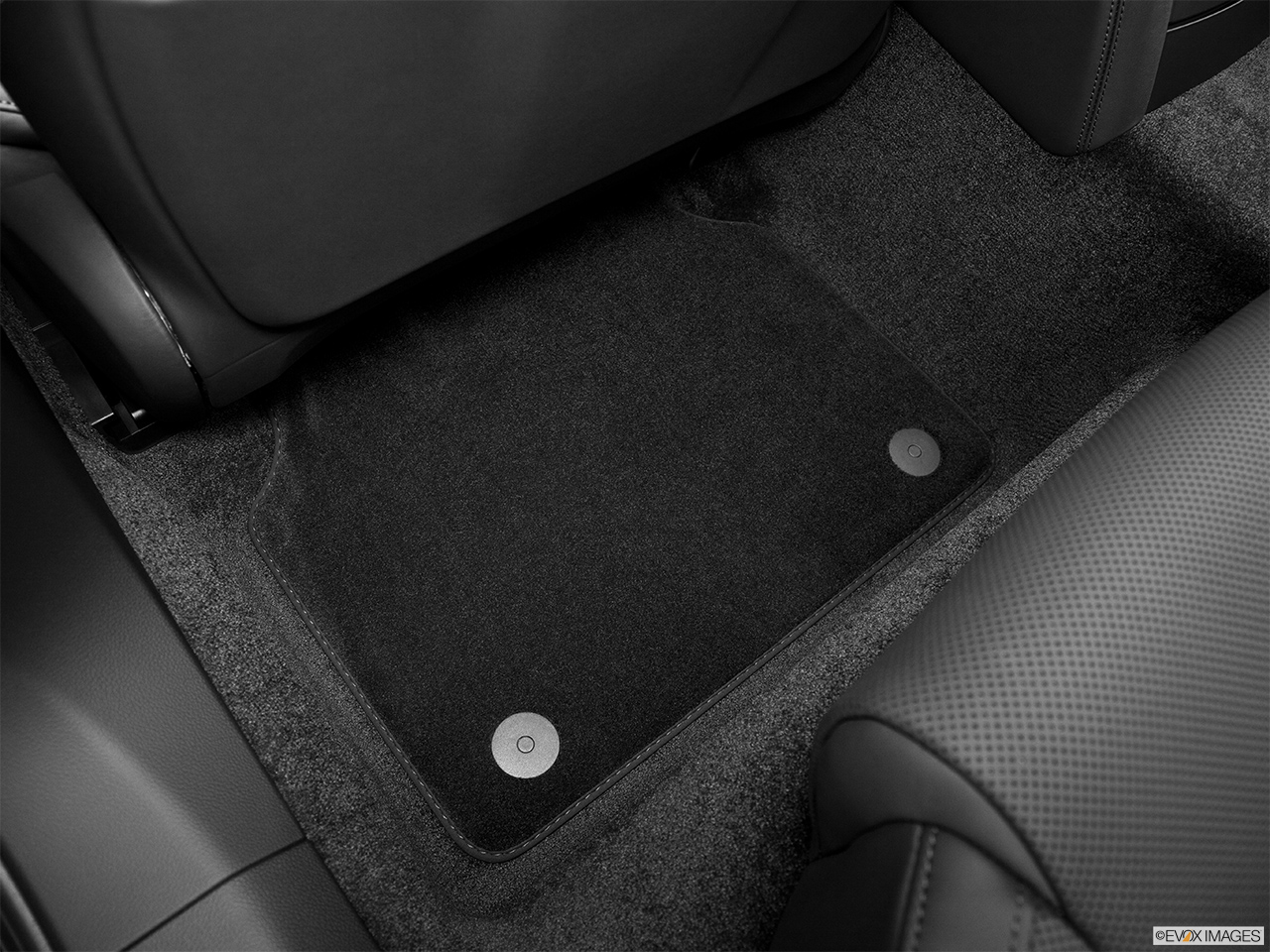 2014 Audi S8 4.0 TFSI Rear driver's side floor mat. Mid-seat level from outside looking in.