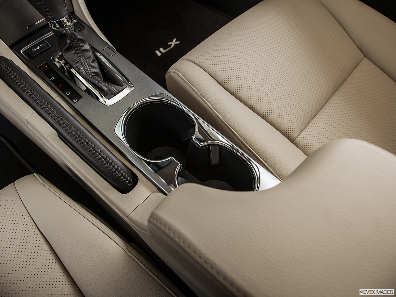 2014 Acura ILX Hybrid Base Cup holders.