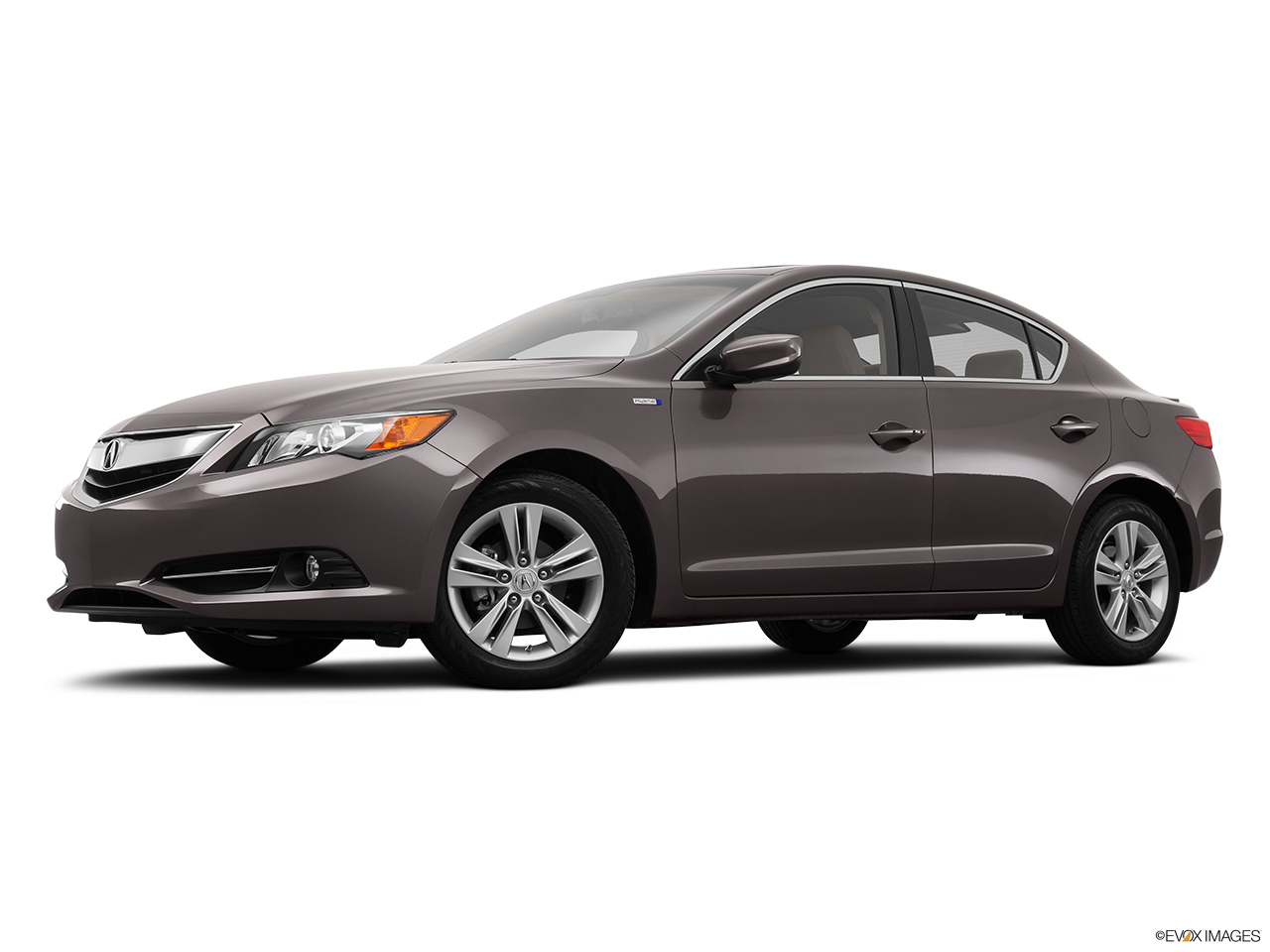2014 Acura ILX Hybrid Base Low/wide front 5/8.