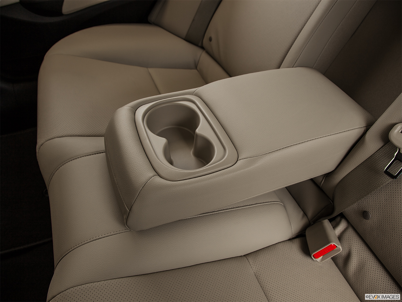 2014 Acura ILX Hybrid Base Rear center console with closed lid from driver's side looking down.