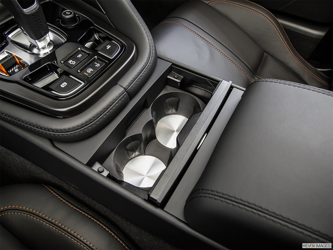 2015 Jaguar F-Type Convertible V8 S Cup holders.