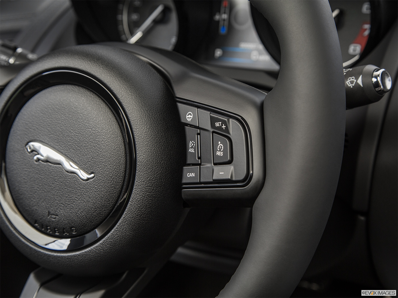 2015 Jaguar F-Type Convertible V8 S Steering Wheel Controls (Right Side)