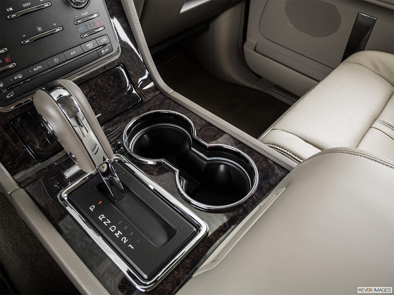 2015 Lincoln Navigator Base Cup holders.
