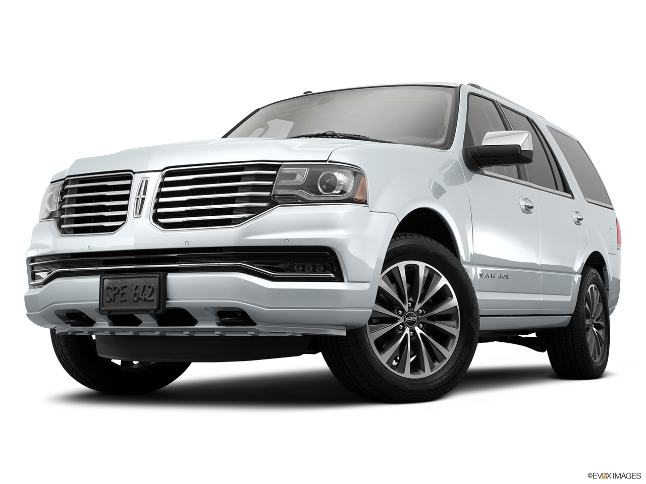 2015 Lincoln Navigator Base Front angle view, low wide perspective.