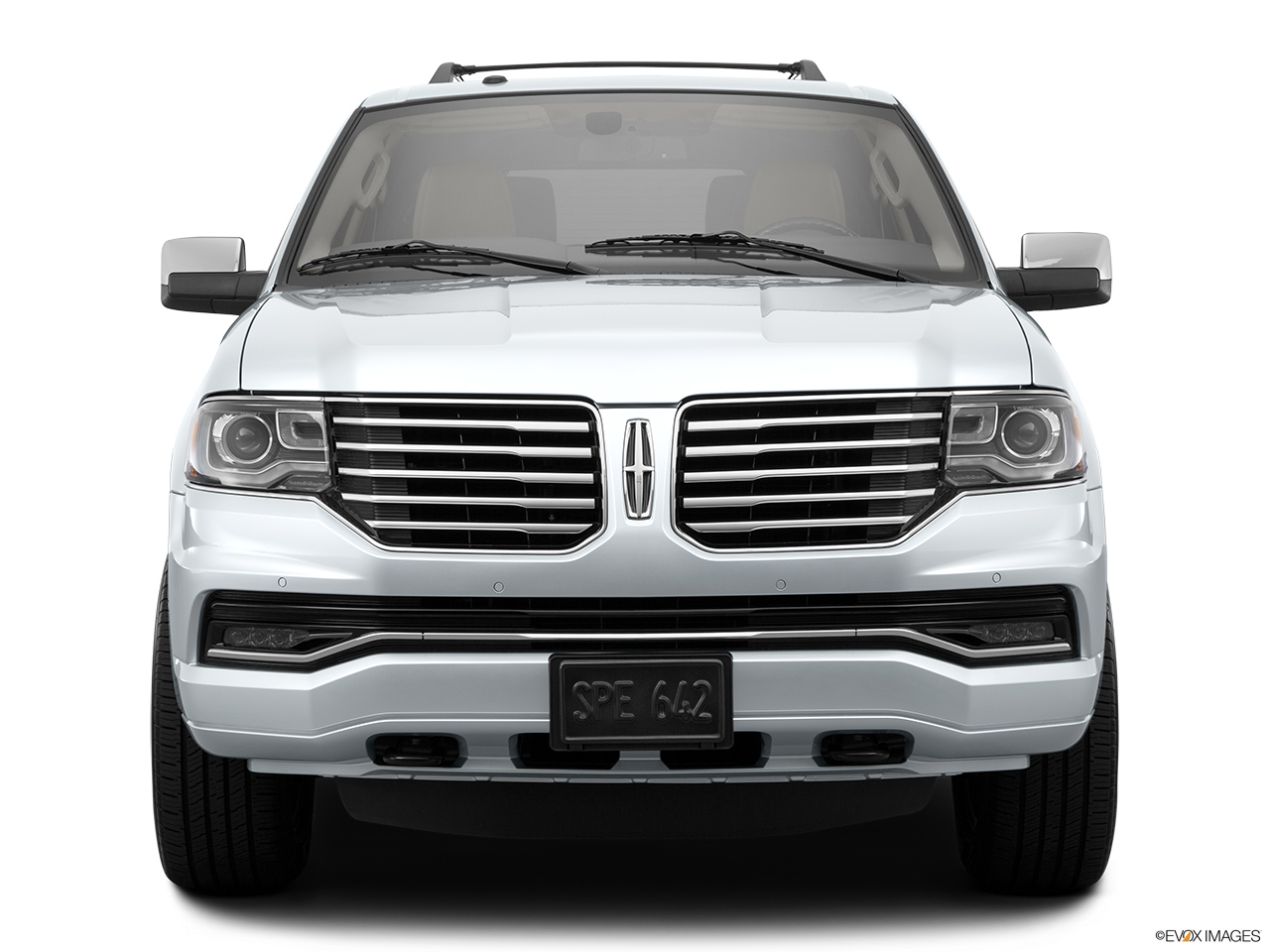 2015 Lincoln Navigator Base Low/wide front.