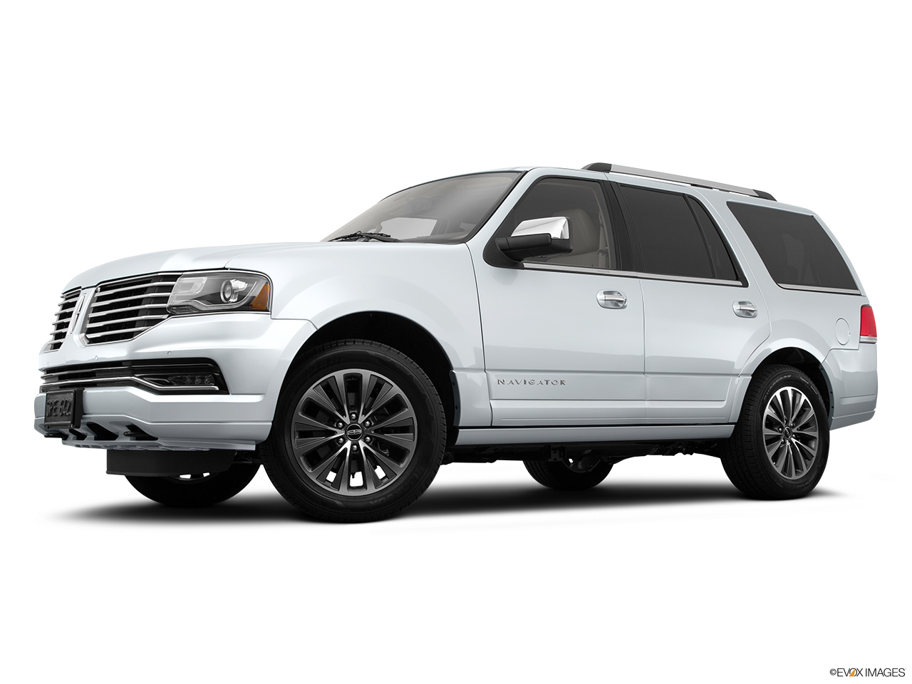 2015 Lincoln Navigator Base Low/wide front 5/8.