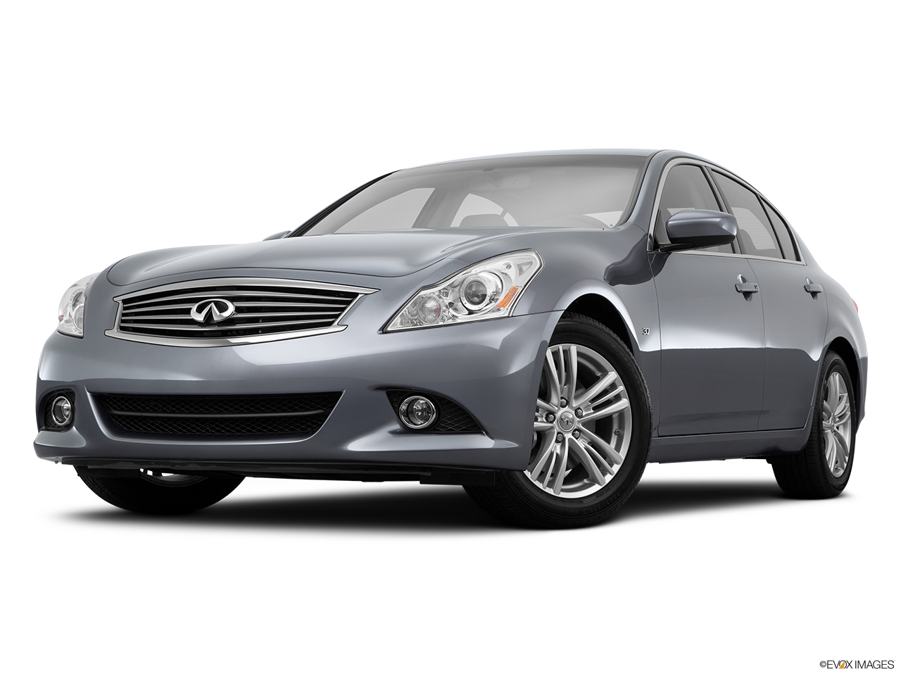 2015 Infiniti Q40 Base Front angle view, low wide perspective.