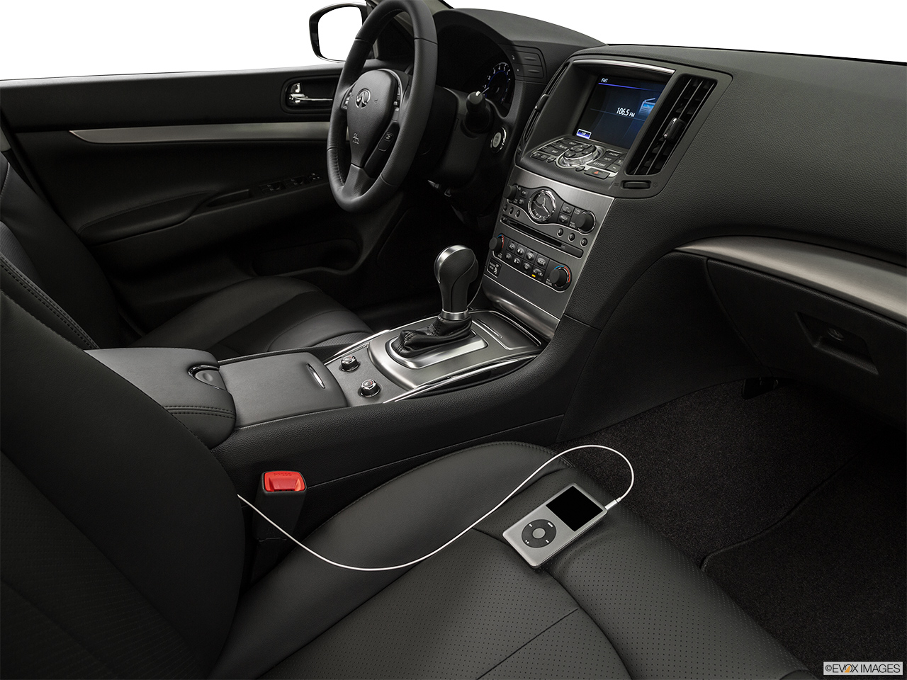 2015 Infiniti Q40 Base Auxiliary jack props.