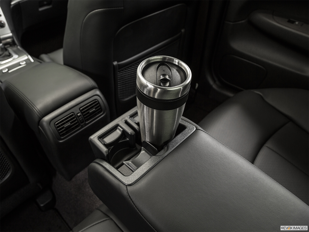 2015 Infiniti Q40 Base Cup holder prop (quaternary).