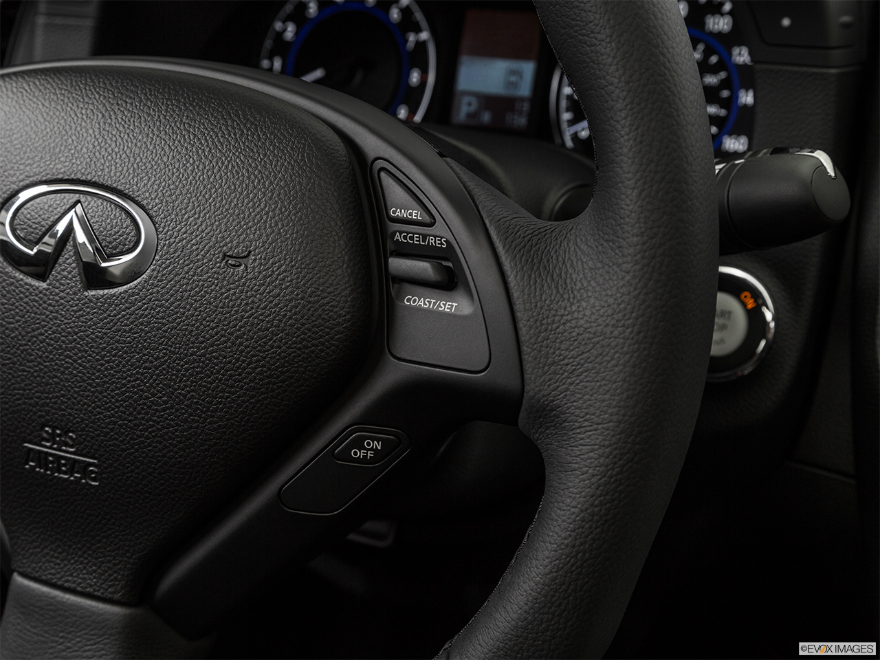 2015 Infiniti Q40 Base Steering Wheel Controls (Right Side)